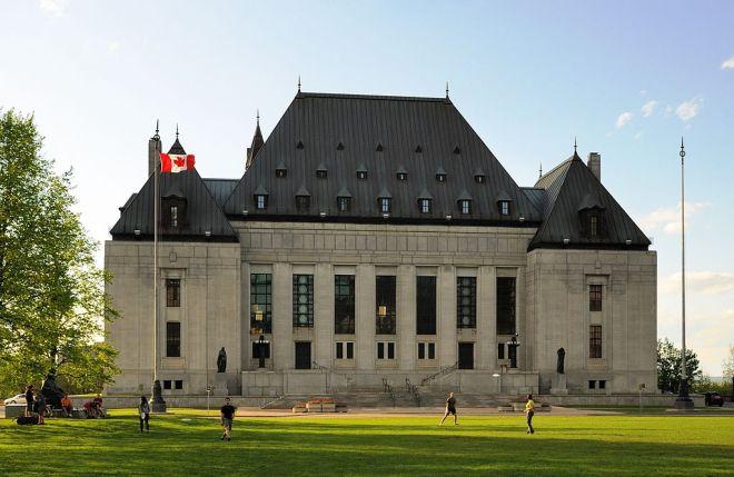 1024px-Ottawa_-_ON_-_Oberster_Gerichtshof_von_Kanada