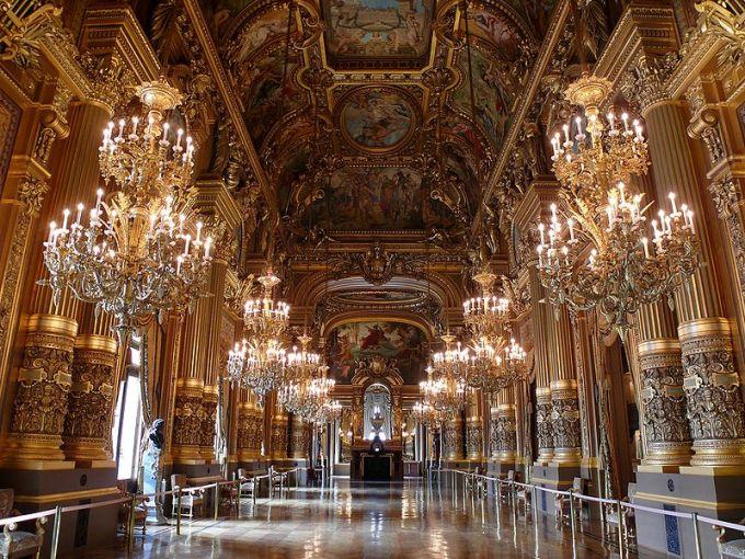 800px-Opéra_Garnier_-_le_Grand_Foyer