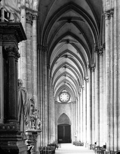 Amiens_Cathedral,_1903