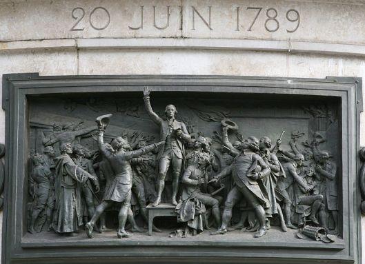 800px-Le_serment_du_Jeu_de_paume._Haut-relief_en_bronze_de_Léopold_Morice