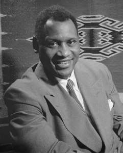 640px-Paul_Robeson_1942_crop